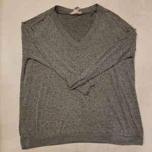 Oversized v neck pullover sweater